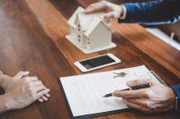 Ingatlanvásárlás családtagtól – vehetek fel lakáshitelt?