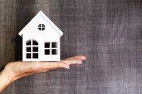 Milyen feltételekkel vehetünk fel lakáshitelt határozott idejű munkaszerződéssel?