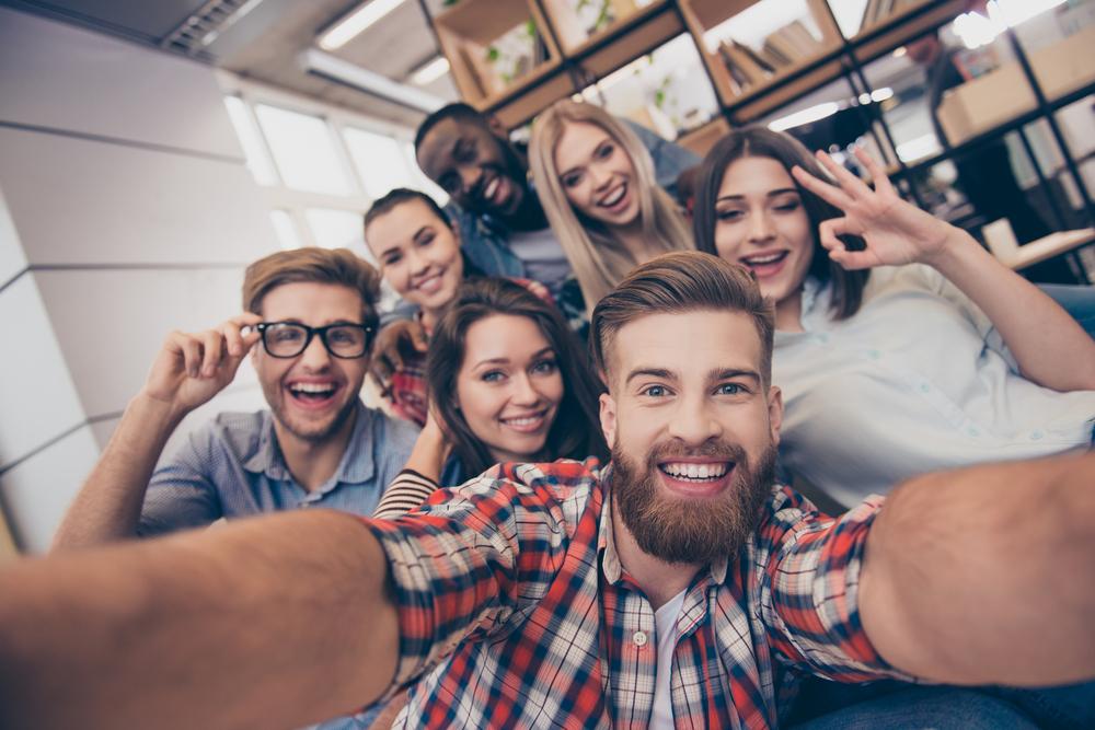 Fiatalok SZJA-mentessége – hogyan befolyásolhatja a hitelfelvételt?